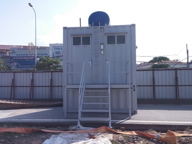 container toilet 10feet